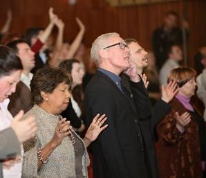 Tiaž Božej slávy v cirkvi
